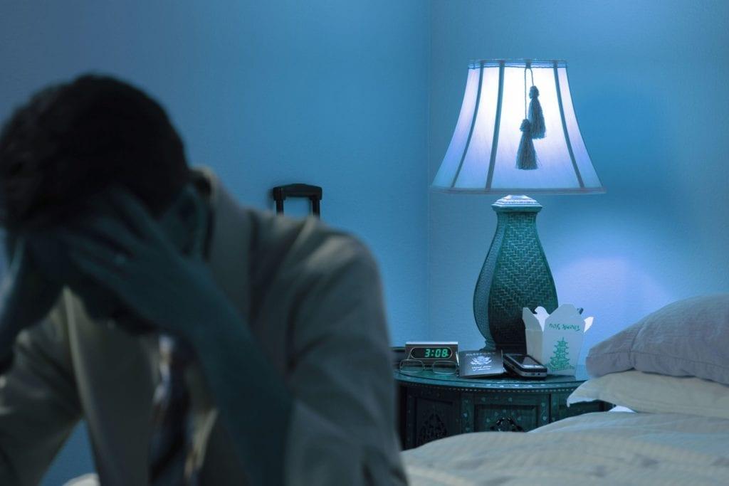 Angst fører ofte med seg mange sikkerhetsstrategier som igjen opprettholder angsten. I tillegg fører ofte angst til depresjon eller omvendt. Disse psykiske lidelsene er ofte sammenfiltret. Psykolog Pål Erik Gulliksrud har jobbet som privat psykolog Oslo sentrum / Majorstuen siden 2003, og har lang erfaring med begandling av angst. Psykolog Pål Erik Gulliksrud.